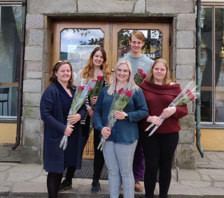 styrelsemedlemmar med rosor 2019