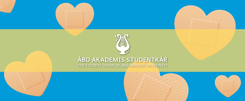 Hjärtformade plåster på blå bakgrund/ Heart shaped band-aid on blue background