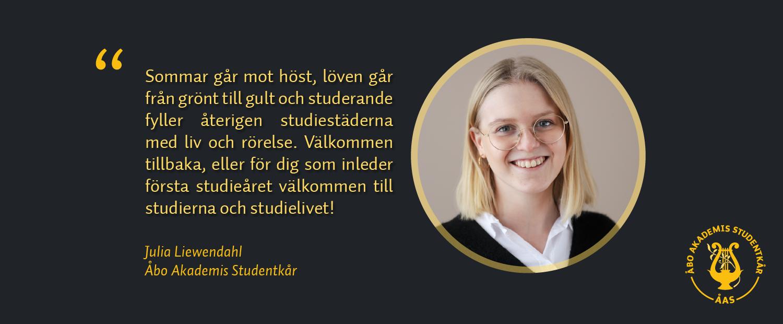 Ett citat från bloggtexten samt bild på skribenten Julia Liewendahl. Hon tittar mot kameran och ler.